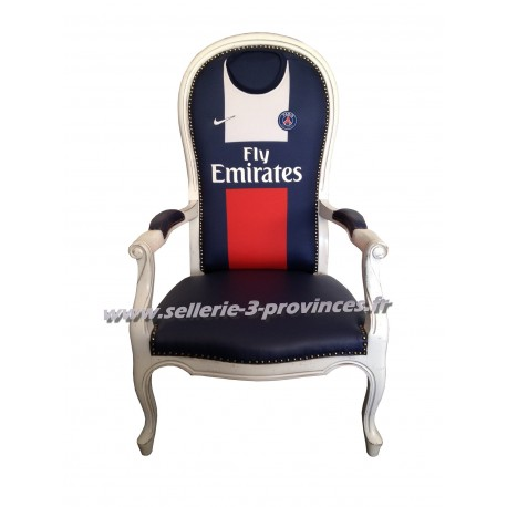 fauteuil voltaire paris saint germain sellerie des 3 provinces. Black Bedroom Furniture Sets. Home Design Ideas